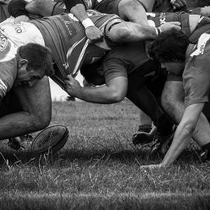 Rugby_scrum_bw